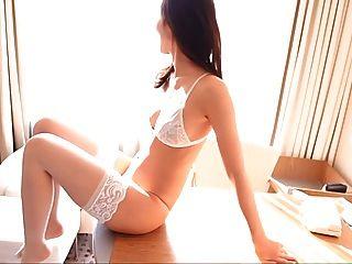 risa blanco lencería muslo pantimedias altas (no desnuda)