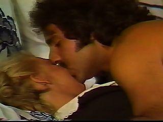un asunto de familia (1984) escena 6
