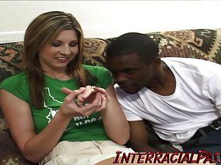 ¡Lisa Marie engaña a su hombre con una enorme polla negra!