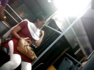 tetona chica mostrando tetas, culo en bus de chennai
