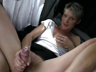 Milf caliente y su amante más joven 544