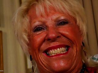 abuelita vieja y loca y hambrienta para follar