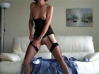 esposa desnudándose