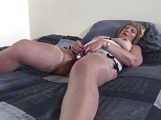 abuela sucia con vagina sedienta y mojada