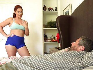 edyn blair es follada por una gran polla negra mientras que su marido mira