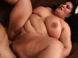 bbw ama el anal y se corre en la boca