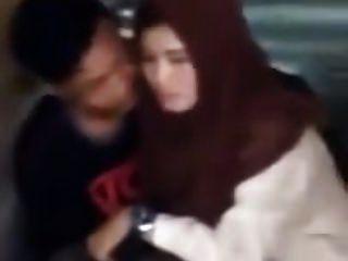 indonesio ngintip jilbaber grepe dan ciuman