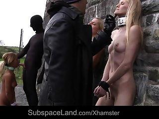 esclavos sufren humillación brutal follan la parte del castillo 1
