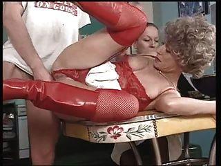 abuelita francesa le gusta su anal