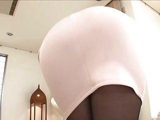 traje sexy en color rosa