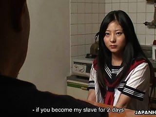 cuttie asiática recibiendo crema y ella se la follan