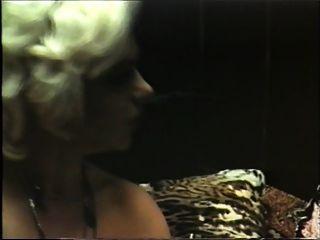 puma rubia tiene sexo con vintage gigoló