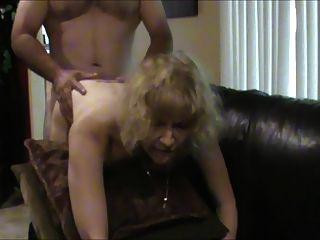 esposa caliente le encanta actuar como una prostituta