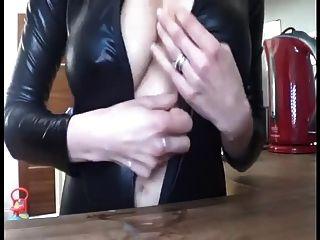 las burlas de la mujer lactante