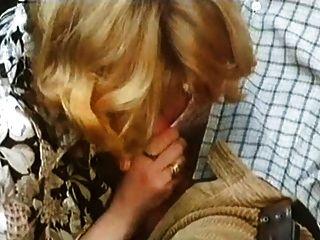 escena 1 de cuissardes (1978) de marylin jess
