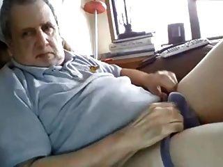 el abuelo tiene una polla gorda