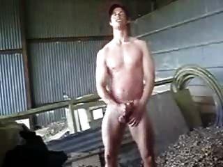 str8 chico granjero caliente masturba y se corre