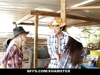 bffs chicas de campo caliente comparten una polla