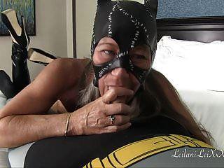 catwoman drena las bolas