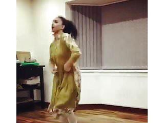Reino Unido paquistaní uni chica danza no desnuda tradicional no desnuda