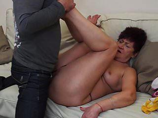 abuela karina follada por yerno