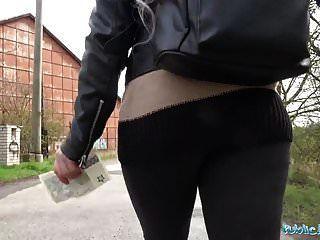 Agente público linda rubia adolescente rusa follada en tierra baldía