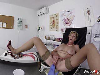 abuela tetona obtiene pov follada por su doctor