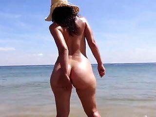 vagando en la playa segura