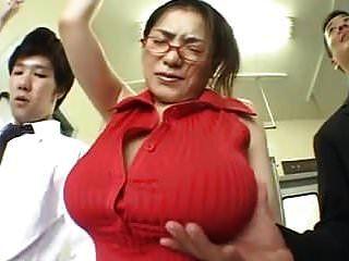 (pechos grandes) anna ohura train grope.mpg