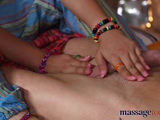 salas de masaje masajista tailandesa caliente toma polla dura en su pierc