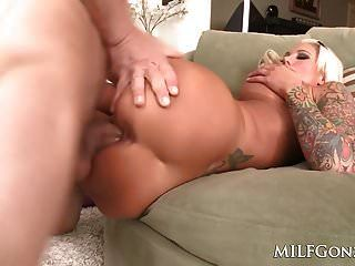 Milfgonzo Big Titty Lolly Tinta adquiere una gran polla