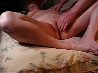 la vieja madre hubbard es follada por su esposo