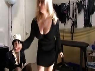 esposa trae una cita en casa para conocer a su marido mariquita