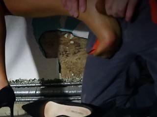 MILF duro sexo duro en medias piernas y pies