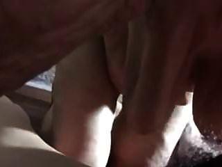 abuela china vieja dando una mamada