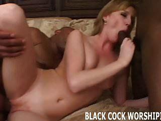 Dos pernos negros van a violar mi vagina.
