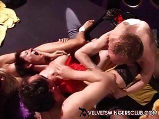 club de swingers de terciopelo fiesta privada orgía club de sexo euro