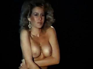 Esa es la forma de baile de striptease de los años 80 en tacones.
