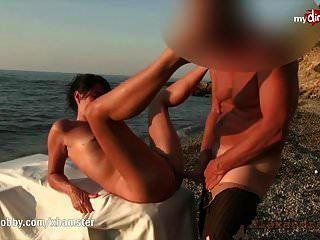 mi ninfómana hobby sucia se perfora en la playa