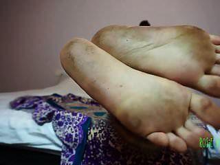 pies sucios fetiche de pies femdom pies dom ébano suelas pies joi