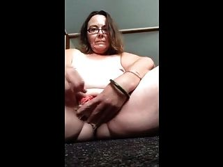 cerdo puta jodie b mete sus bragas en su coño