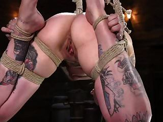 pequeño tatuaje ed dolor puta krysta kaos atormentado en cuerda atada