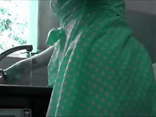 milf en la cocina (recolored)