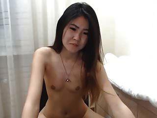 chica coreana sexy chorros en cam