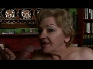 Abuela de 70 años con coñito peludo plateado de cybernoob