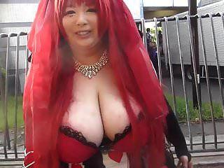 Chica japonesa con tetas enormes (parte 1)