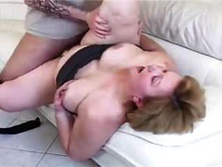 abuelita bbw con gran culo follada en el sofá