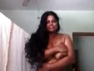 hot mallu aunty posa desnuda para novio