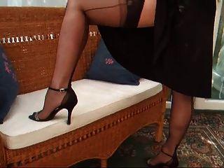 lady lucy vestido de coctel negro con cinturón y medias