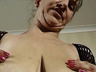 mujer madura alemana y grandes tetas